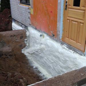 Pamatų šiltinimas didelio tankio poliuretano puta